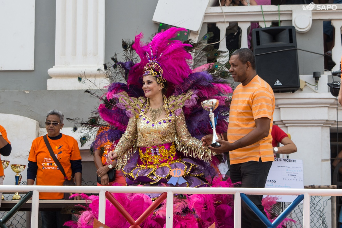 Entrega de prémio ao Samba Tropical