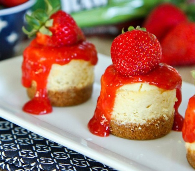 Mini-Strawberry-Cheesecakes-9-650x825.jpg